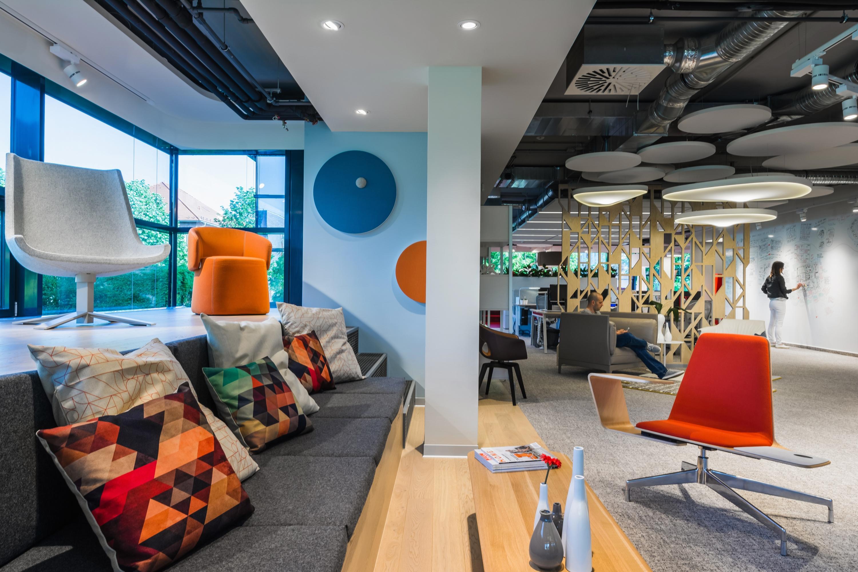 Spatio Aménagement conçoit et réalise l'aménagement de vos espaces collaboratifs .